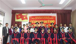 Bế giảng lớp Trung cấp nghề Thú Y 56A